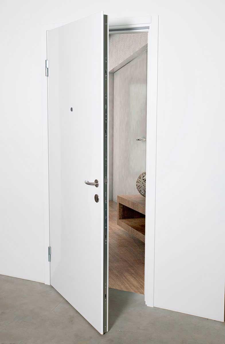 Magnum sikkerheds dør med helt glat front